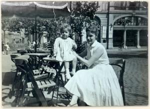 Tía Maria con María 1958